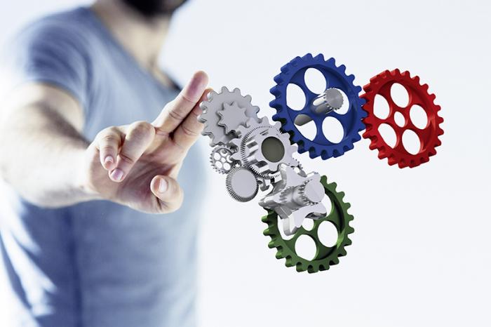Lehrgänge und Trainings zu den drei Kompetenzen Technik, Management und Zusatzkompetenzen